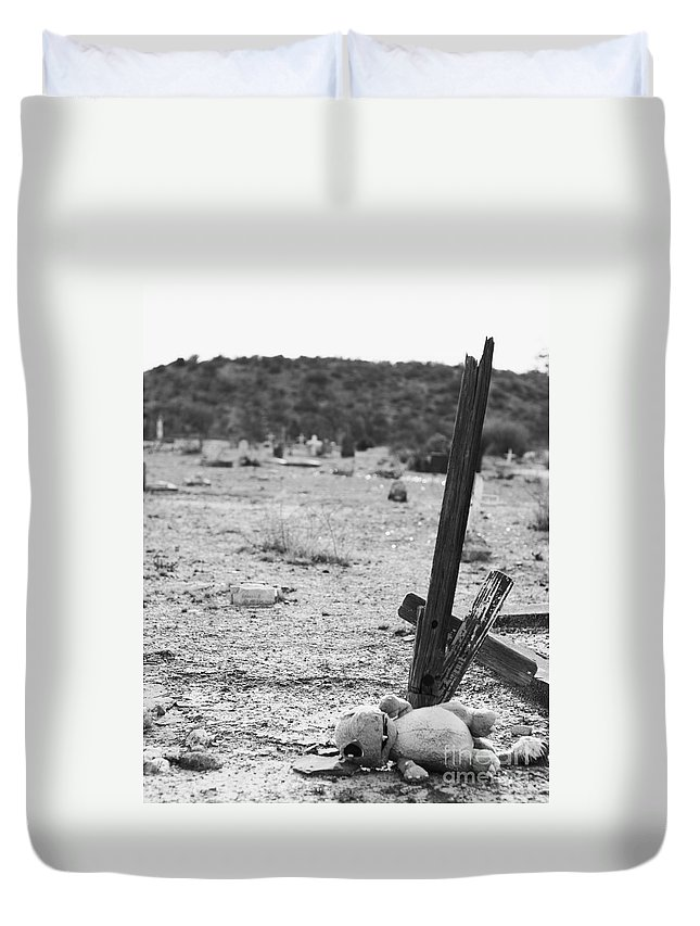 Old Cemetery Relics Duvet Cover featuring the photograph Gloomy Grave by Erika Weber