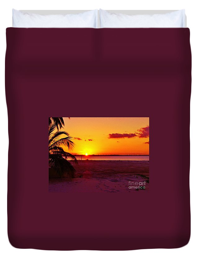 Keri West Duvet Cover featuring the photograph Glowing Sunset by Keri West