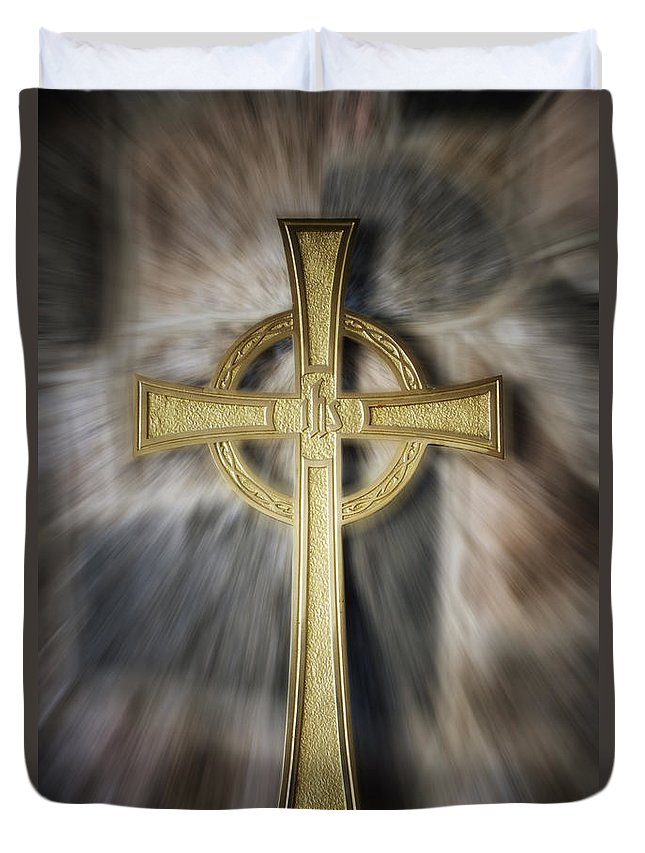 Homeless Duvet Cover featuring the photograph Gold Cross by Thomas Woolworth