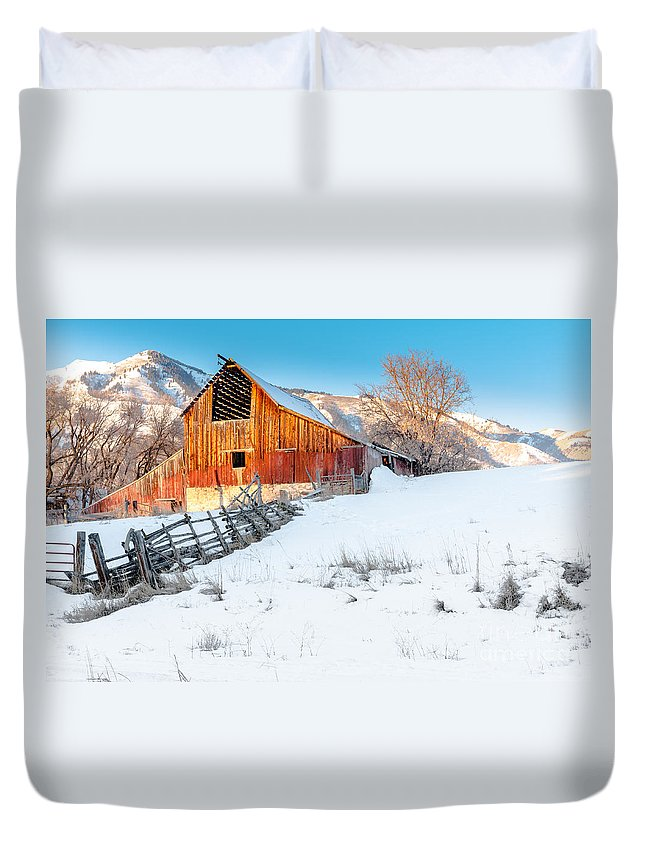 Canon Duvet Cover featuring the photograph Golden Barn At Sunrise by Nicholas Pappagallo Jr