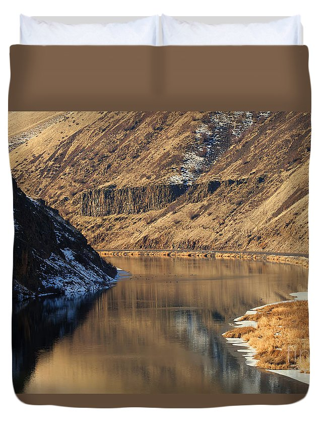 Yakima River Duvet Cover featuring the photograph Golden Bend by Mike Dawson