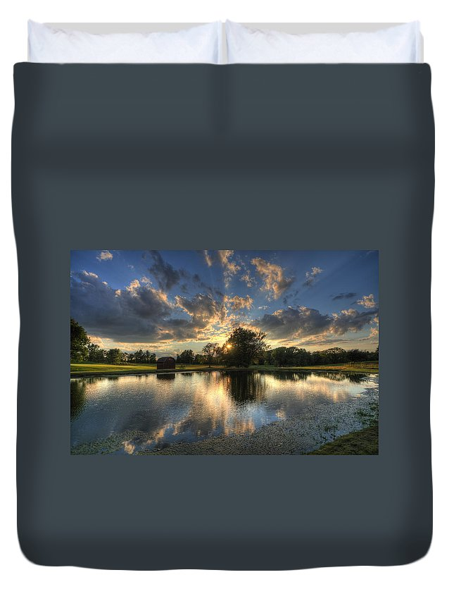 Salem Hills Duvet Cover featuring the photograph Golfcourse Sunset by David Dufresne