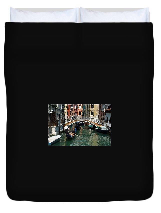 Bridge Duvet Cover featuring the photograph Gondola Ride by Kim Pin Tan