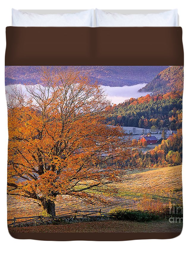 Fall Duvet Cover featuring the photograph Good Morning Vermont by Alan L Graham