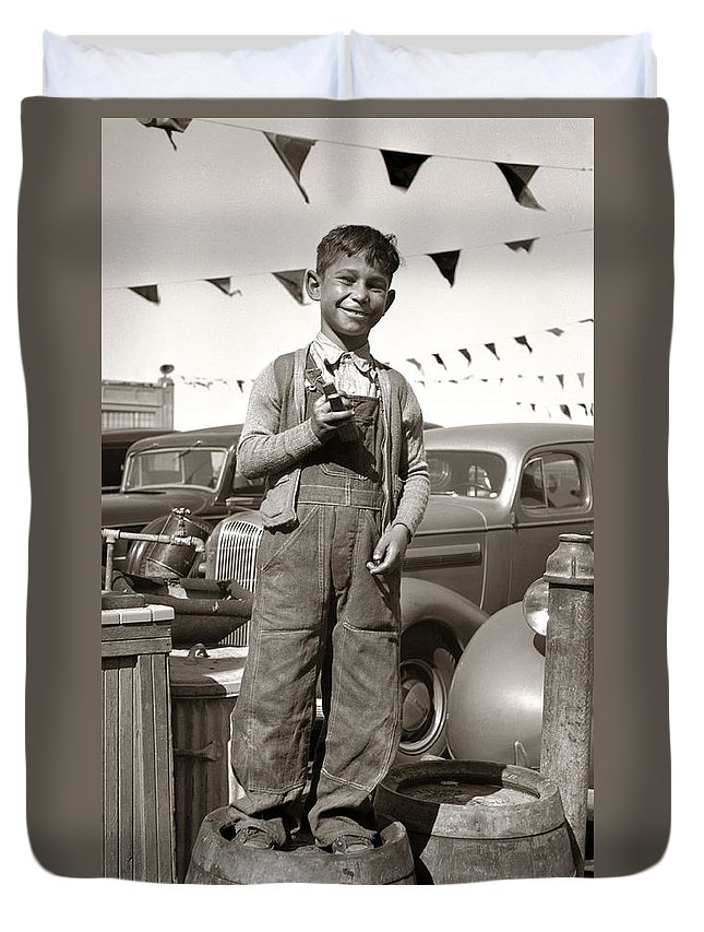 Boy Duvet Cover featuring the photograph Good Old Boy by Marilyn Hunt