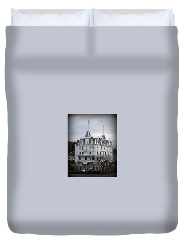 Goodspeed Opera House Duvet Cover featuring the photograph Goodspeed Opera House by Priscilla Richardson