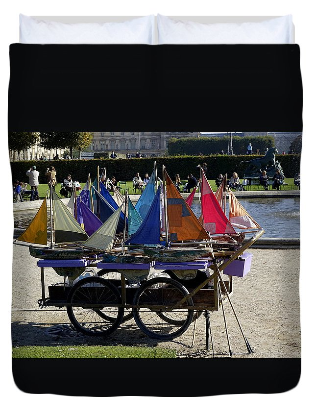 Paris Duvet Cover featuring the photograph Got Wind Got Water Need Kids by Richard Rosenshein
