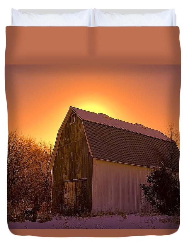 Farm Duvet Cover featuring the photograph Granary Rise by Bonfire Photography