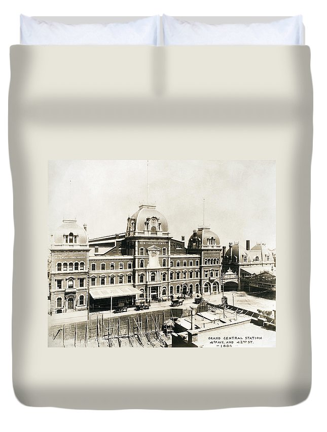 1886 Duvet Cover featuring the photograph Grand Central, 1886 by Granger