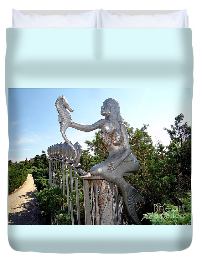 Mermaid Duvet Cover featuring the photograph Grand Entranceway by Ed Weidman