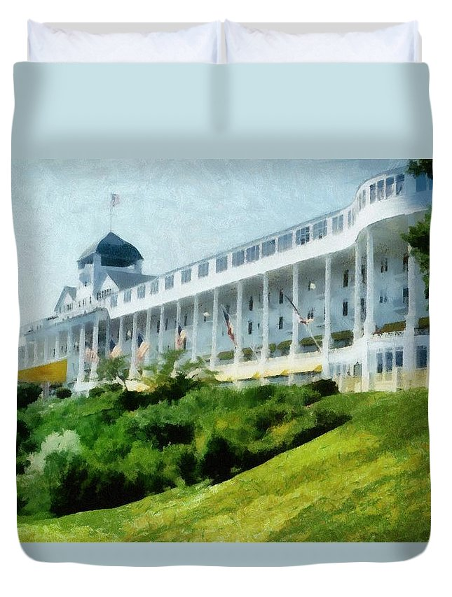 Hotel Duvet Cover featuring the photograph Grand Hotel Mackinac Island Ll by Michelle Calkins