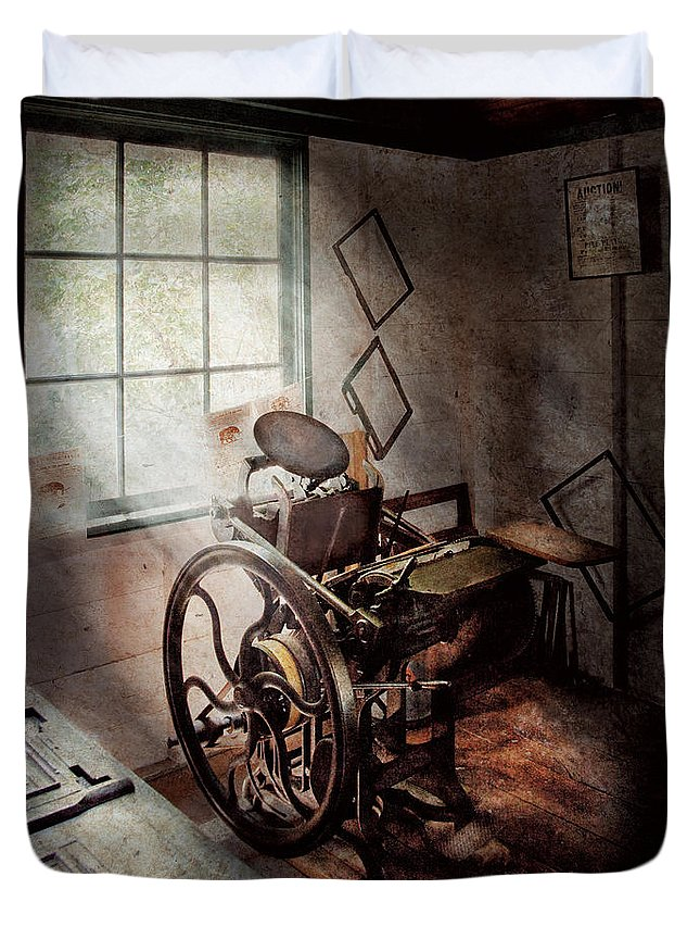 Graphic Artist Duvet Cover featuring the photograph Graphic Artist - The Humble Printing Press by Mike Savad