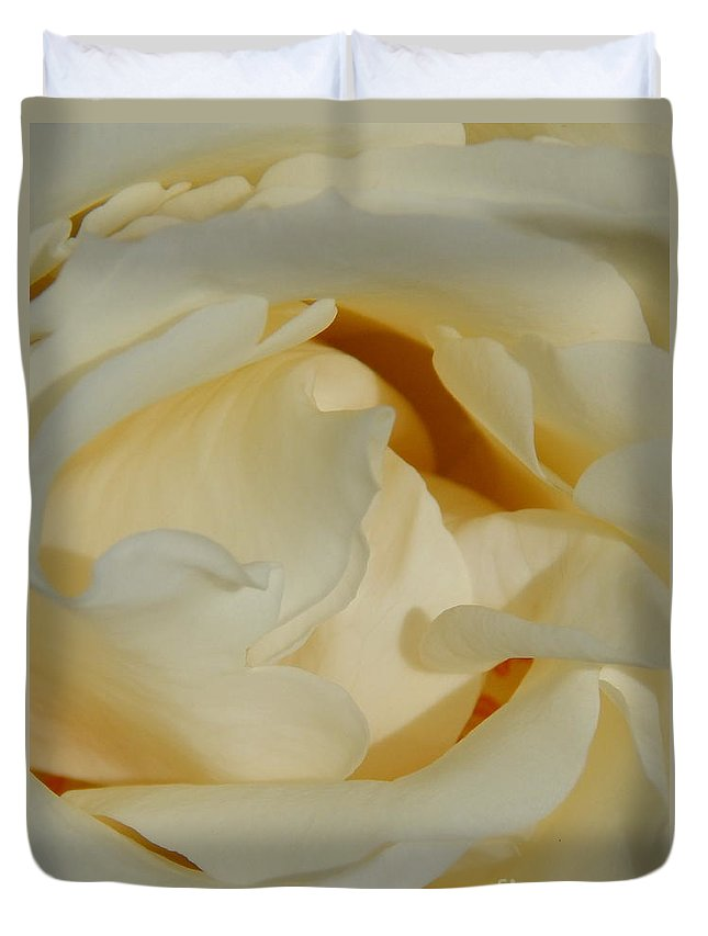 New Orleans Photography Duvet Cover featuring the photograph Grave Beauty by Michael Hoard