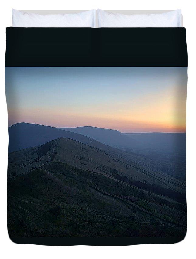 Sunset Duvet Cover featuring the photograph Great Ridge Sunset by Darren Galpin