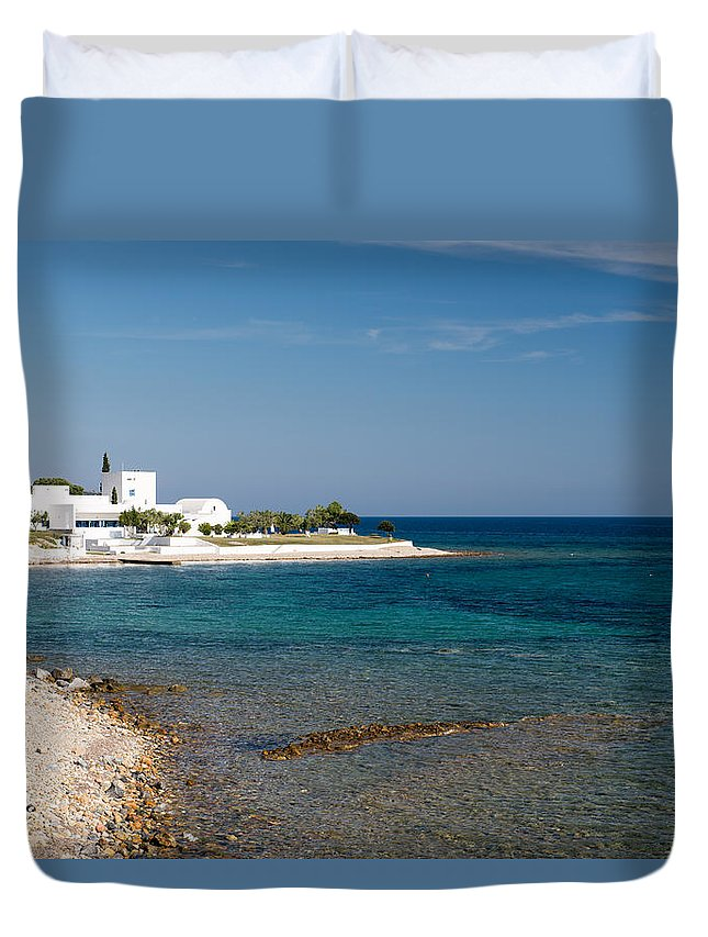 Greece Duvet Cover featuring the photograph Villa By The Sea by Roy Pedersen