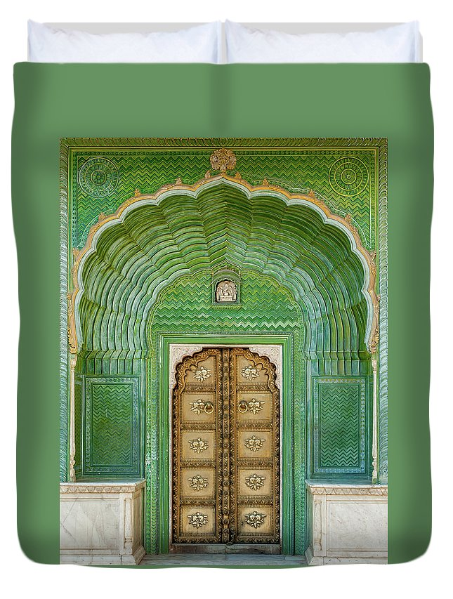Arch Duvet Cover featuring the photograph Green Gate In Pitam Niwas Chowk by Hakat