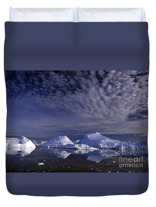 Europe Duvet Cover featuring the photograph Greenland Midnight Sun by Rudi Prott