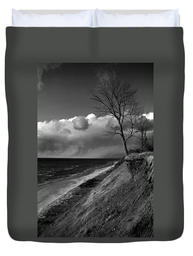 Beach Duvet Cover featuring the photograph Hanging On by Allan Lovell