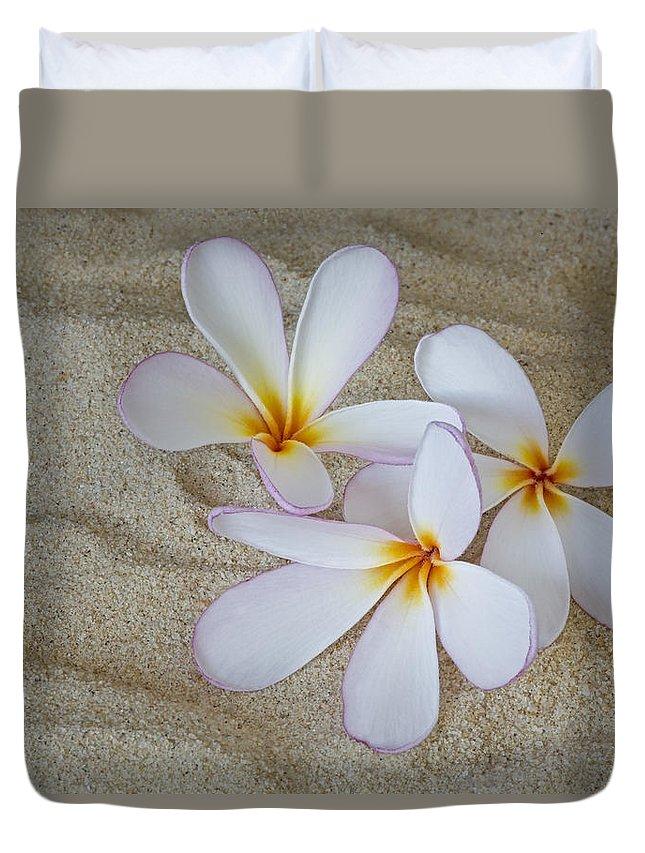 Plumeria Duvet Cover featuring the photograph Hawaiian Tropical Plumeria by Susan Candelario