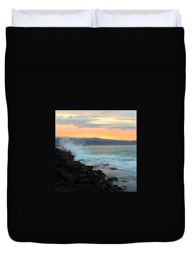 Hawaiiana Duvet Cover featuring the digital art Hawaiian Landscape 15 by D Preble