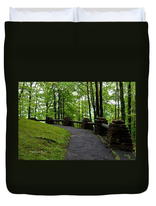 Feature Art Duvet Cover featuring the photograph Hawk's Nest Path by Paulette B Wright