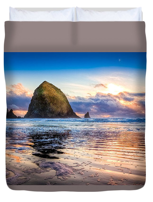 Oregon Duvet Cover featuring the photograph Haystack Rock by Niels Nielsen