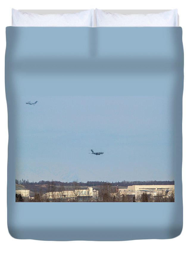 Boeing C-17 Globemaster Iii Duvet Cover featuring the photograph Heavy Lifters by Thomas Sellberg