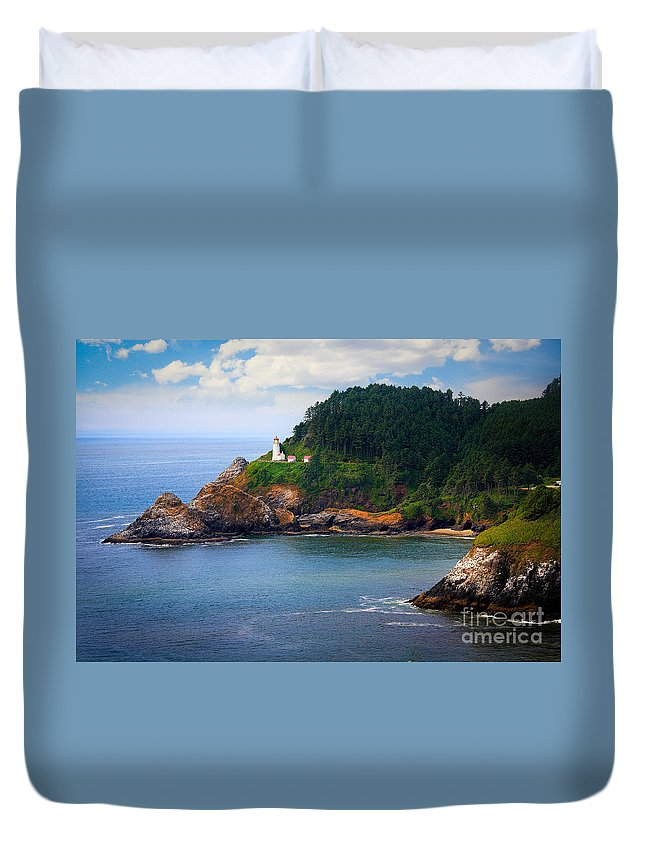 America Duvet Cover featuring the photograph Heceta Head by Inge Johnsson