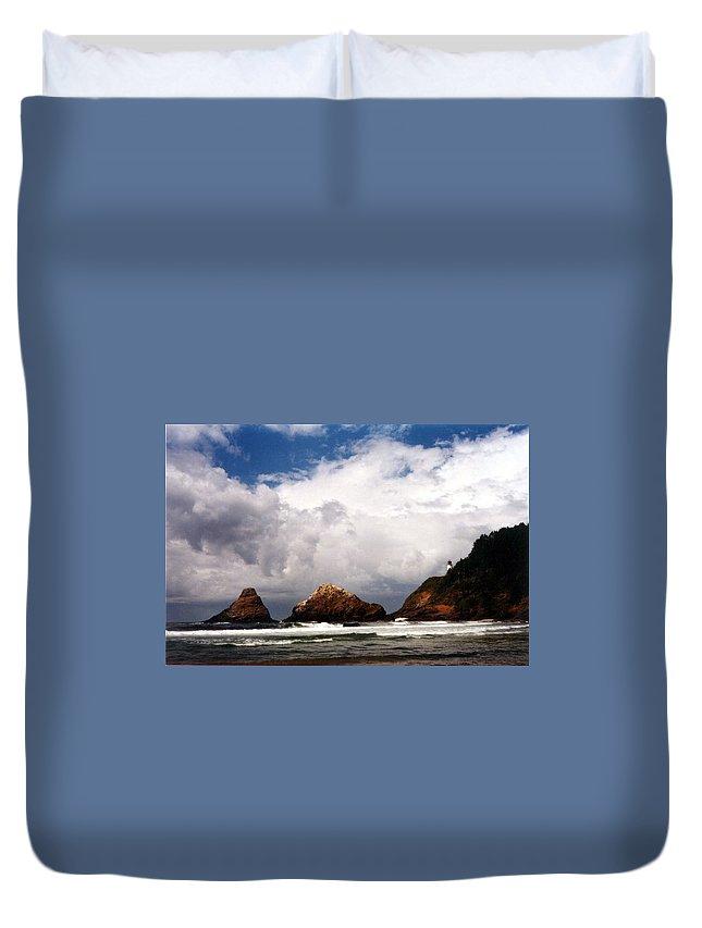 Lighthouse Duvet Cover featuring the photograph Heceta Head by Loren McNamara