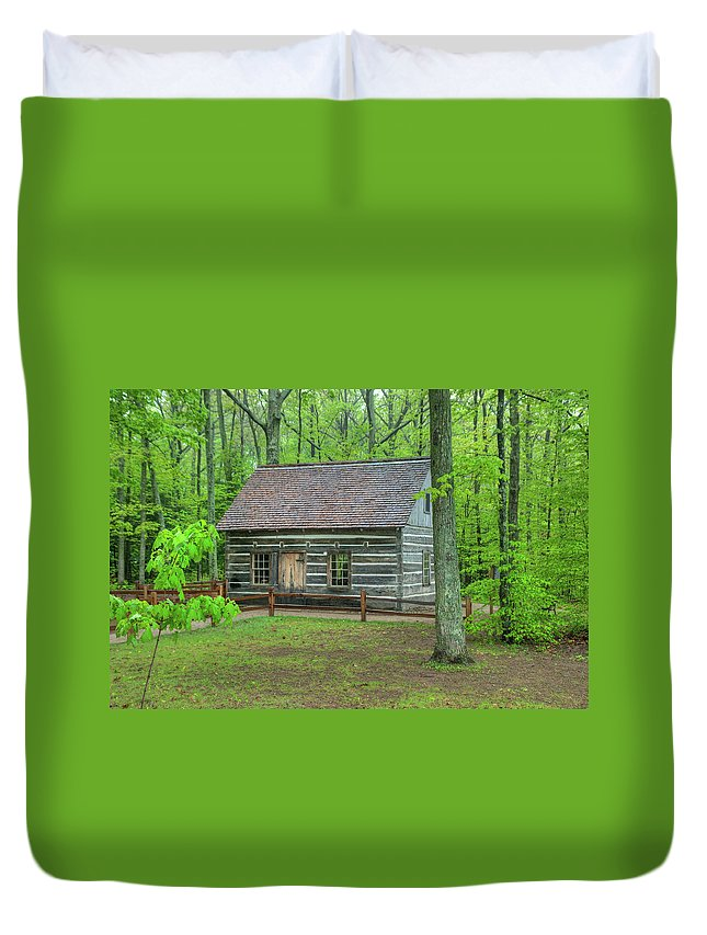 Buildings Duvet Cover featuring the photograph Helser Log House by Guy Whiteley