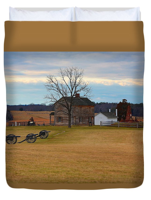 Manassas Duvet Cover featuring the photograph Henry House At Manassas Va by Scott Fracasso
