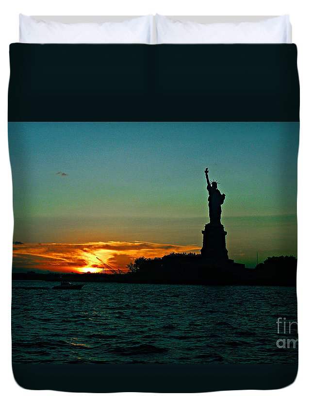 Statute Of Liberty Duvet Cover featuring the photograph Her Majesty by Kendall Eutemey