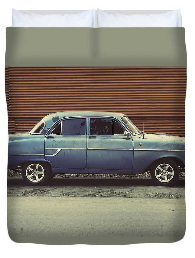 Habana Duvet Cover featuring the photograph Hey Champ.. by A Rey