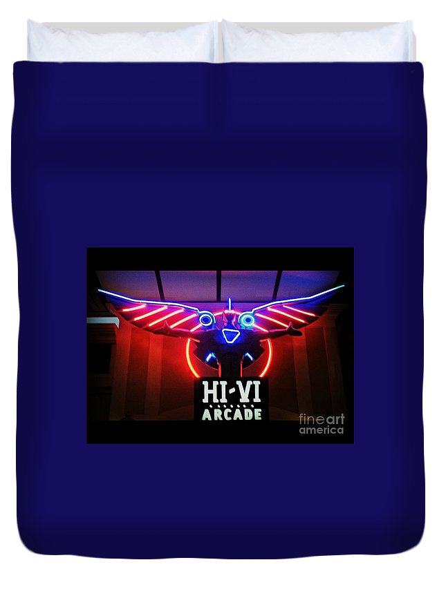 Duvet Cover featuring the photograph Hi-vi Arcade by Kelly Awad