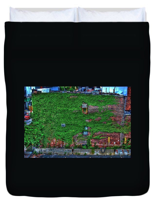 High Line Park Duvet Cover featuring the photograph High Line Ivy by Randy Aveille