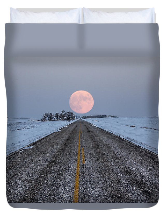 Road To Nowhere Duvet Cover featuring the photograph Highway To The Moon by Aaron J Groen