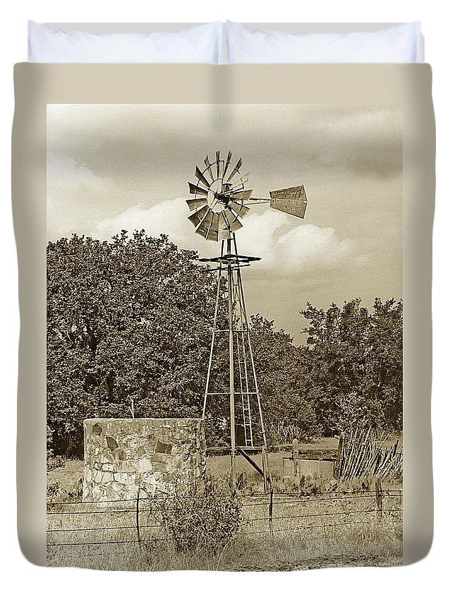 Windmills Duvet Cover featuring the photograph Hill Country Windmill by Jim Smith