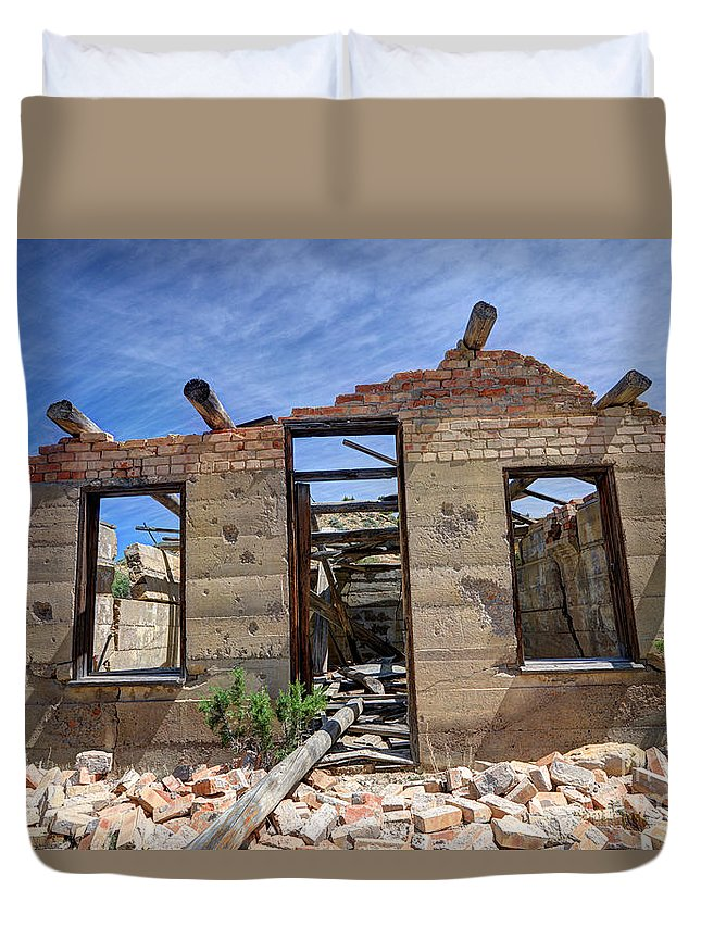 Historic Duvet Cover featuring the photograph Historic Building Nine Mile Canyon - Utah by Gary Whitton