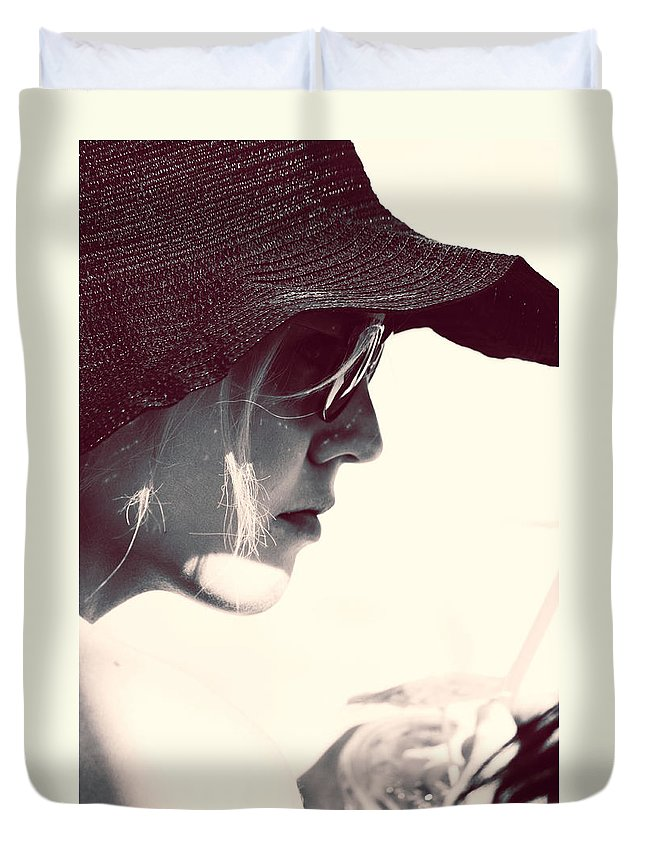 Street Photography Duvet Cover featuring the photograph Hold When U Can by The Artist Project