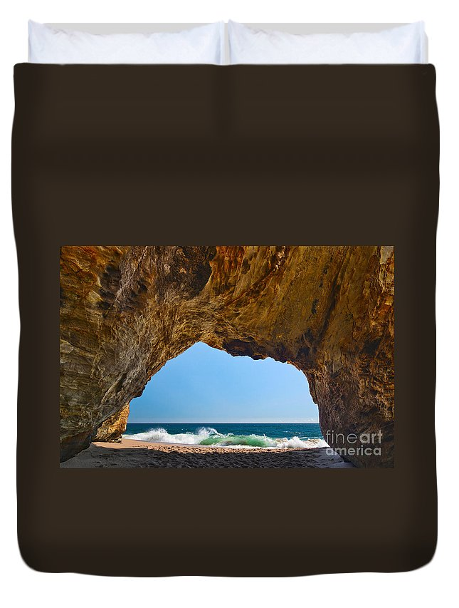 Hole In The Wall Beach Duvet Cover featuring the photograph Hole In The Wall - Natural Tunnel In Santa Cruz by Jamie Pham