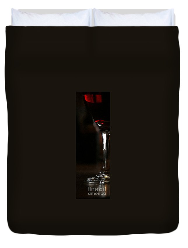 Wine Duvet Cover featuring the photograph Holiday Cheer - Wc by Linda Shafer