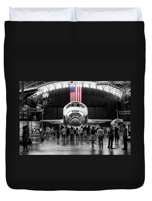 Airplanes Duvet Cover featuring the photograph Home At Last by Jim Thompson
