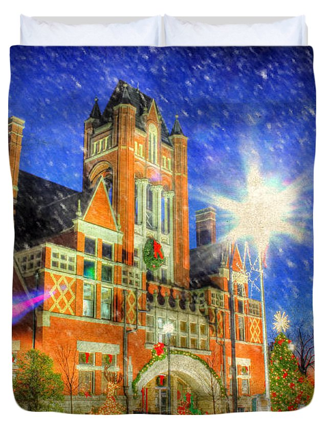 Old Courthouse Duvet Cover featuring the photograph Home Town Christmas by Darren Fisher