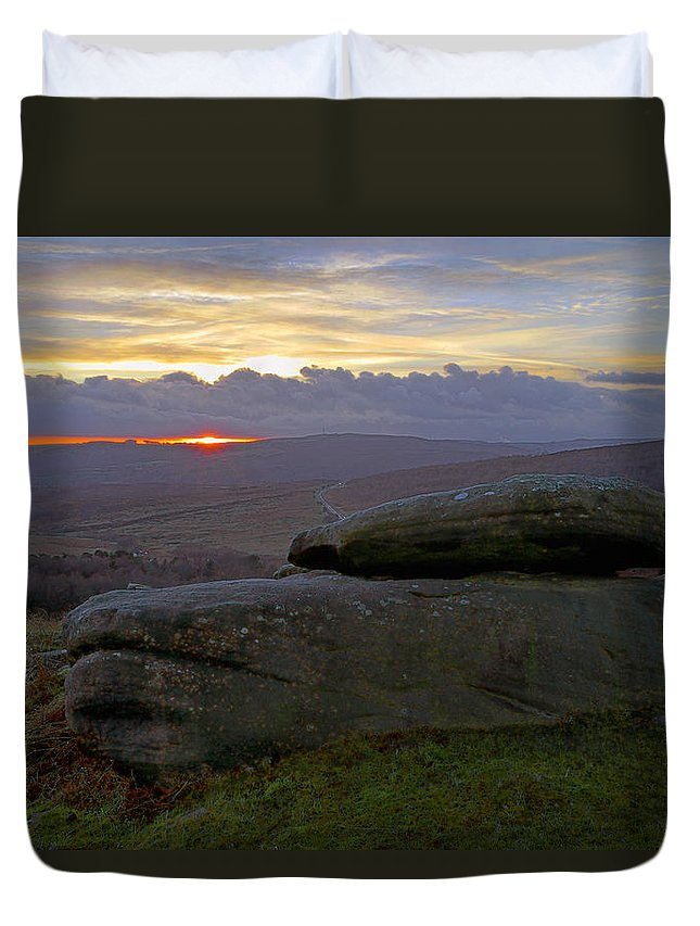 Sunset Duvet Cover featuring the photograph Hope Valley Sunset by Darren Galpin