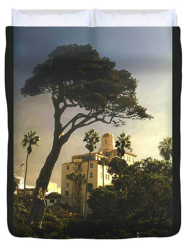Landscape Duvet Cover featuring the photograph Hotel California- La Jolla by Steve Karol