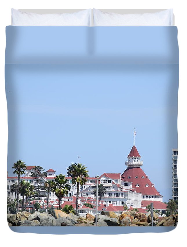 Hotel Del Coronado Duvet Cover featuring the photograph Hotel Del Coronado by Steve Scheunemann