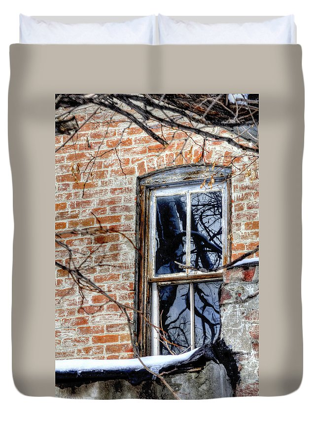 Denver Duvet Cover featuring the photograph House 13086 by Jerry Sodorff