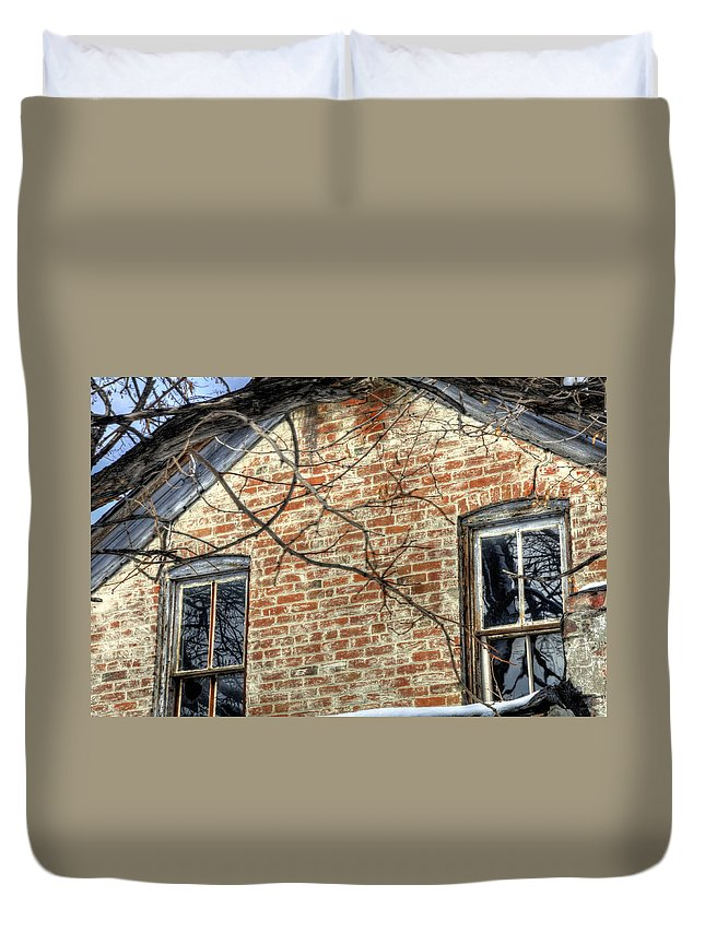 Denver Duvet Cover featuring the photograph House Two Windows 13089 by Jerry Sodorff
