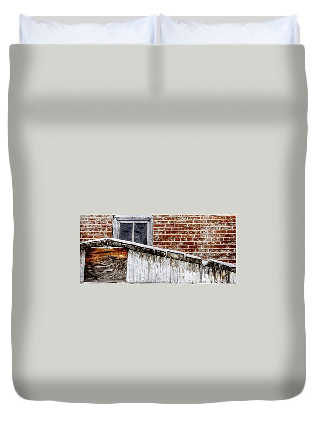 Denver Duvet Cover featuring the photograph House With Shed 13122 by Jerry Sodorff