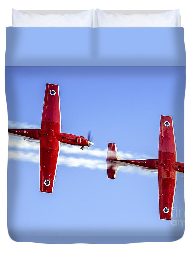 Acrobatic Duvet Cover featuring the photograph Iaf Flight Academy Aerobatics Team-a by Nir Ben-Yosef
